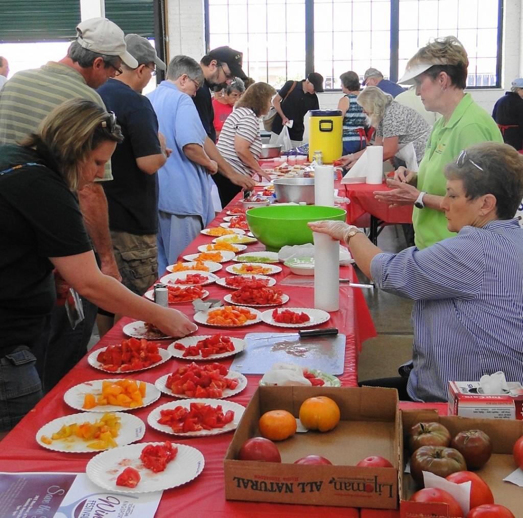 Tomato Fest XI   tasting table   Aug 8 2015  mmv